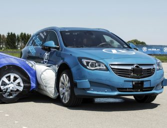ZF hace pruebas con un innovador airbag lateral externo