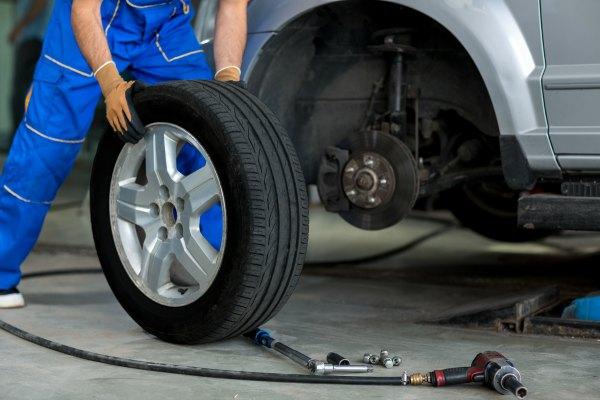 CONEPA obligaciones informativas talleres etiquetados neumáticos
