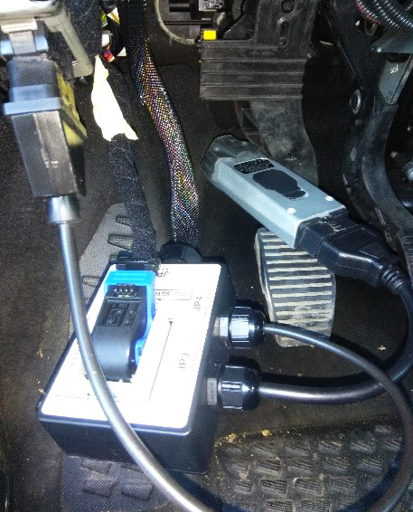 conexión cable SGW a EOBD y VCI