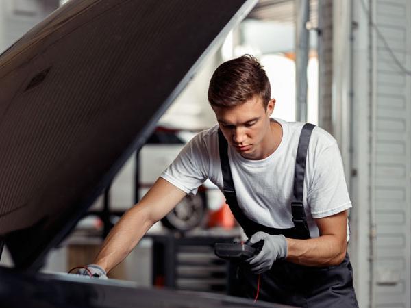 Elige calidad elige confianza estudio mantenimiento de los vehículos en talleres de mecánica multimarca durante las desescaladas