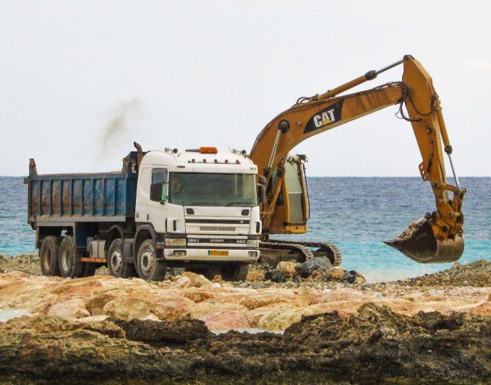 Fenadismer alerta suspensiones de pagos en sector construcción