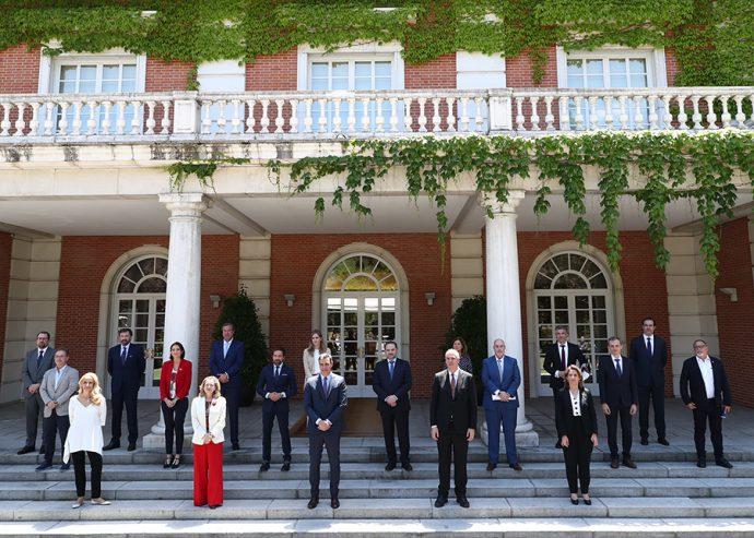 fotografía presidentes asociaciones automoción y ministros Gobierno