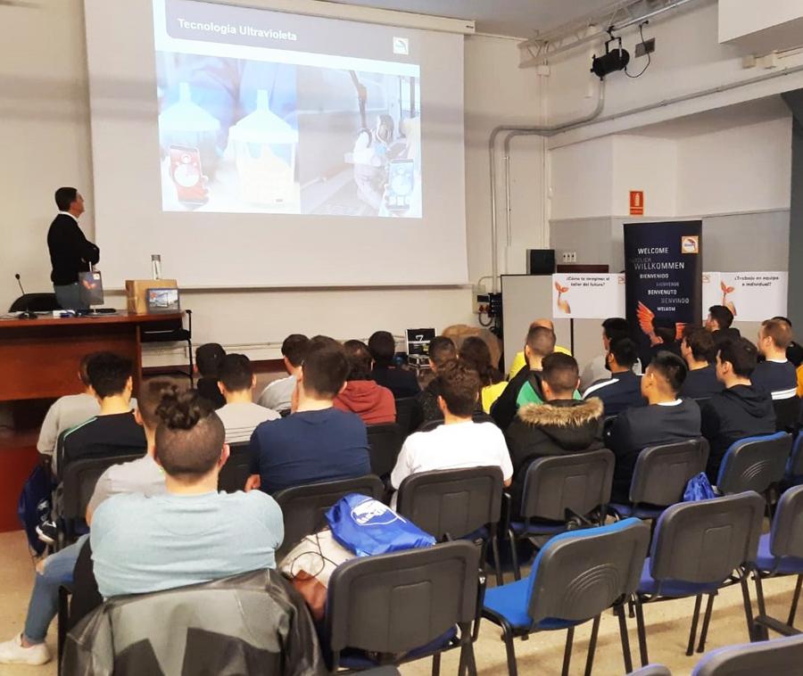 Glasurit, con los futuros profesionales en las Jornadas Técnicas del Instituto La Mercé