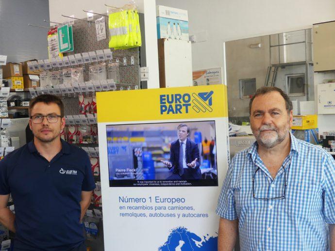 Juan Baldomero gerente de Autocentro Elektra