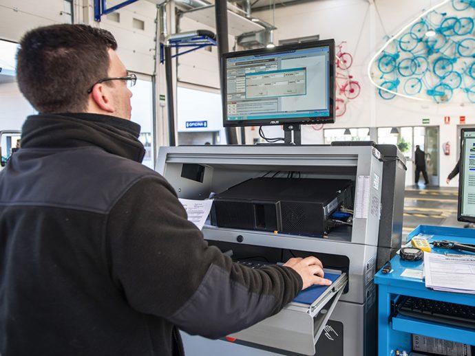 Las ITV se preparan para la verificación de los sistemas ADAS en 2022