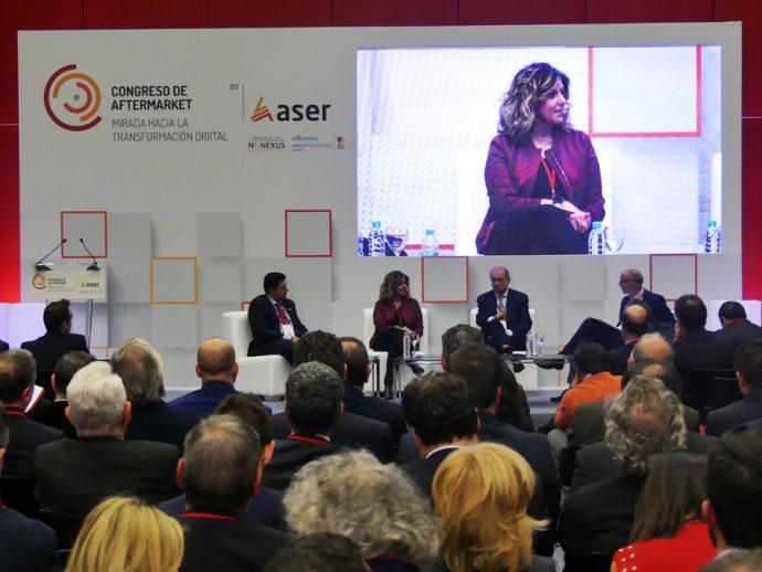 mesa debate sobre nuevos perfiles digitales en II Congreso ASER