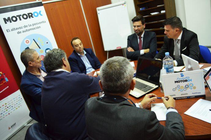 mesa redonda MotorOK y ASER sobre conectividad en la posventa