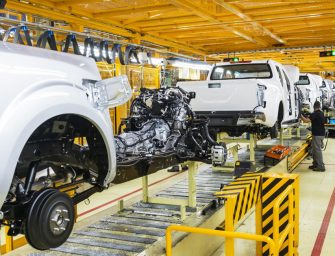 Mazazo a la automoción española: Nissan confirma su cierre en Barcelona