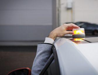 Nueva luz de advertencia LEDguardian ROAD FLARE Señal V16 de Osram