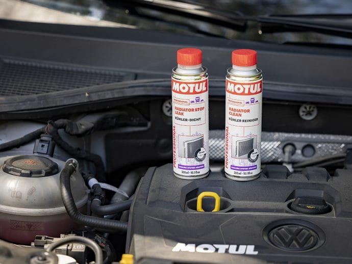 nuevos aditivos para el cuidado del radiador Motul Radiator Clean y Radiator Stop Leak