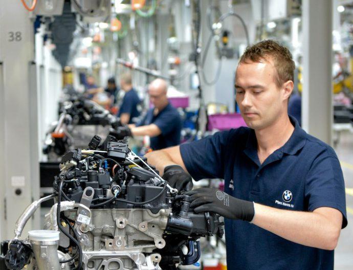 permisos de formación contra la automatización de la automoción