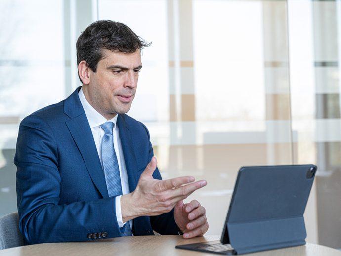Philippe Colpron ZF Aftermarket charla con prensa especializada en la posventa