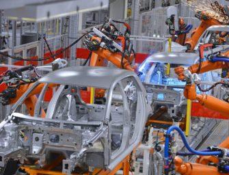 La producción de vehículos cae en abril a unos mínimos históricos