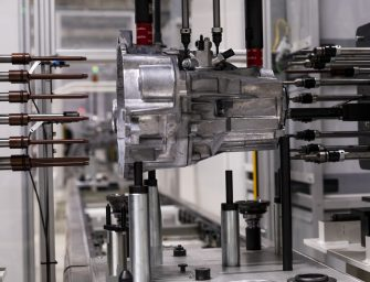 Seat ya fabrica en El Prat la nueva caja de cambios MQ281 del Grupo Volkswagen