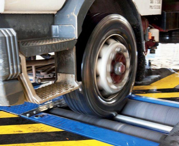 prueba de frenado vehículos pesados ITV