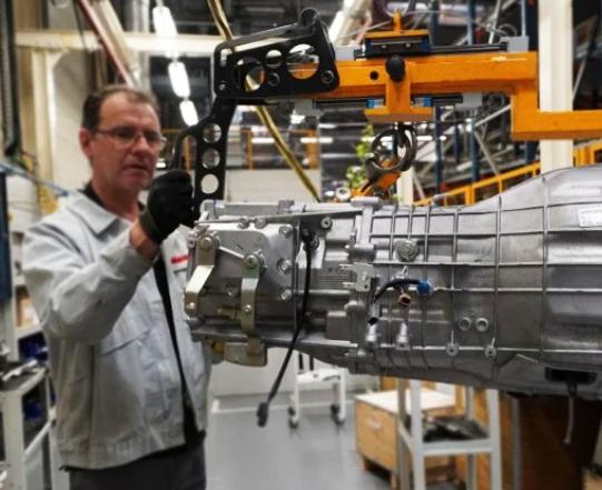 regreso actividad fabricantes de vehículos tras pandemia COVID-19