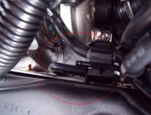 rotura de tubería neumática Audi A3