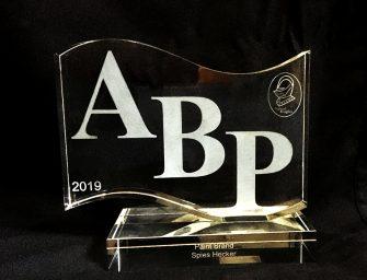 Spies Hecker, reconocida en la entrega de premios del británico Club ABP