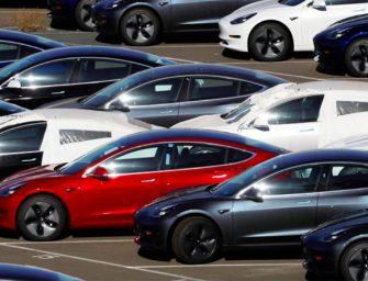 """Anfac rechaza por """"excesivo"""" el plan del Gobierno para prohibir los vehículos de combustión en 2040"""