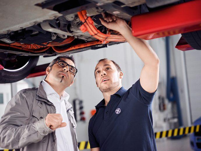 ZF Aftermarket, aliado del taller en recambios para vehículos eléctricos